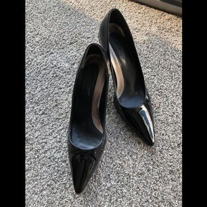 Kennith Cole Classic Black Heels